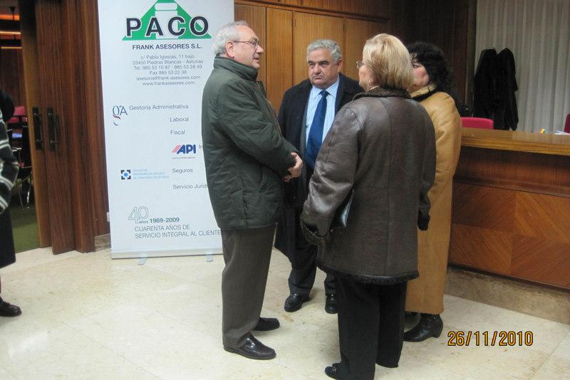 Gestoría Paco convoca unas cuarenta empresas en Cámara de Comercio de Avilés para la presentación del Programa Un Negocio Una Web