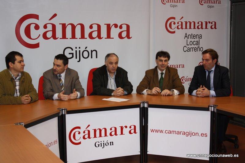 El Polígono de Perogran firma la adhesión al Programa Un Negocio Una Web