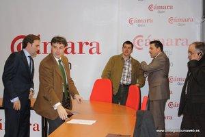 Firma del convenio con Perogran